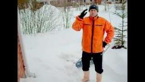 Puutarhapalvelut tarjoaa talviaikaan lumimiespalveluita katoilla ja pihoilla