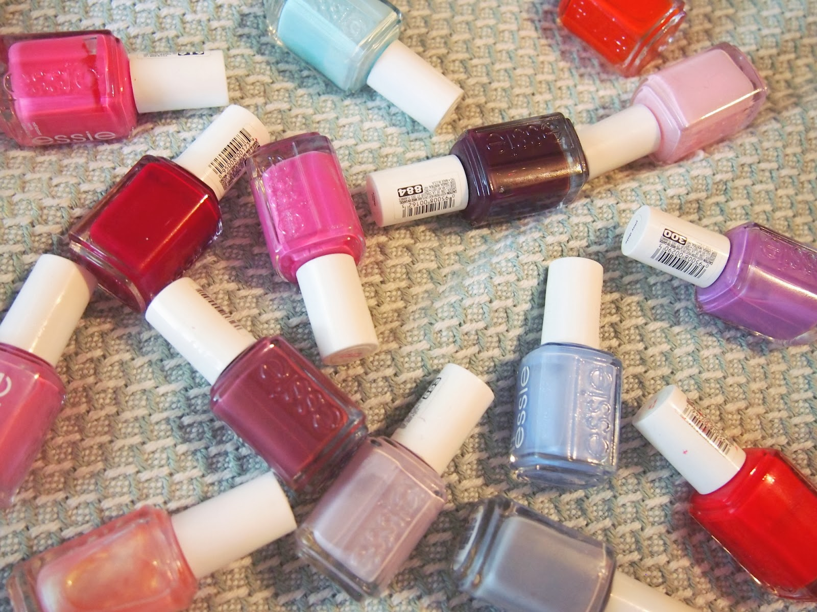 Let\'s Talk About Brands: Essie - Adore A Polish: A simple beauty blog