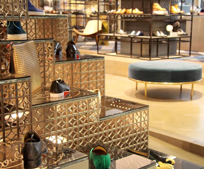 Amantes de calçado no Dubai Mall