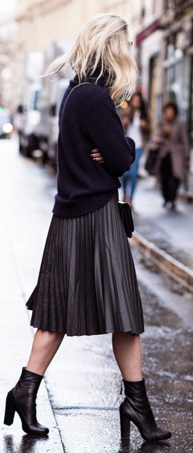 Parisienne: HOW to Wear Your Midi Skirt This Winter