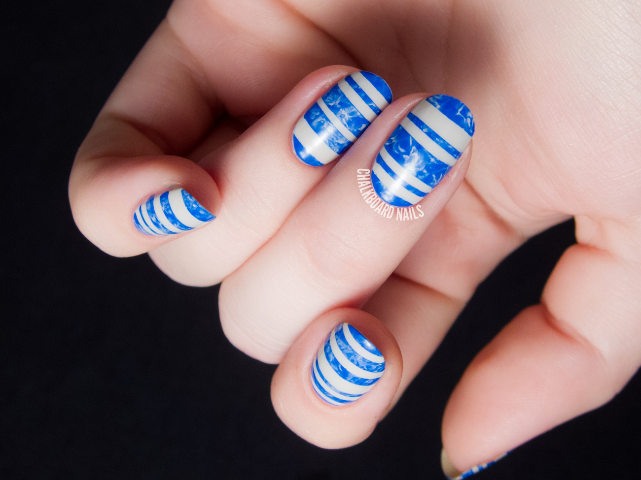 Marbled swimming pool stripes by @chalkboardnails