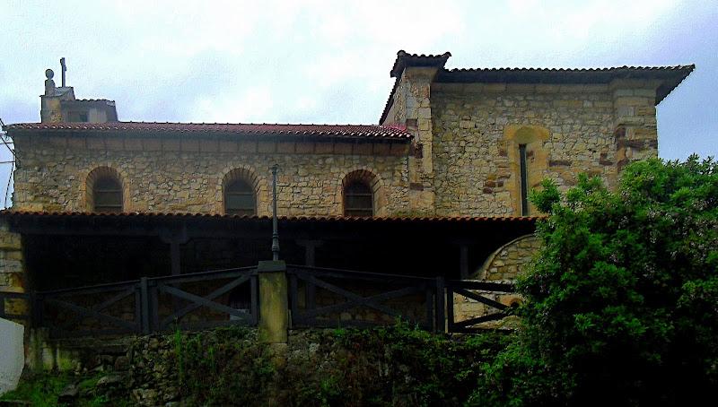 Iglesia de San Juan Bautista en Cuchía