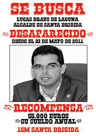 Anulan la multa por el cartel del 15-M contra Lucas Bravo