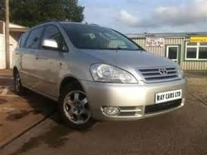 Toyota Avensis Verso Featured model: 2.0 GLS manual