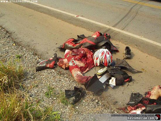 Gambar ngeri kemalangan motorsikal di Malaysia