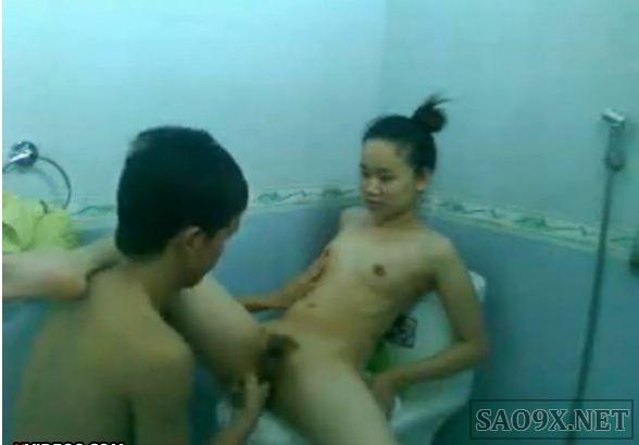 Clip sex nữ sinh Hải Phòng trong nhà vệ sinh (hot 18+)