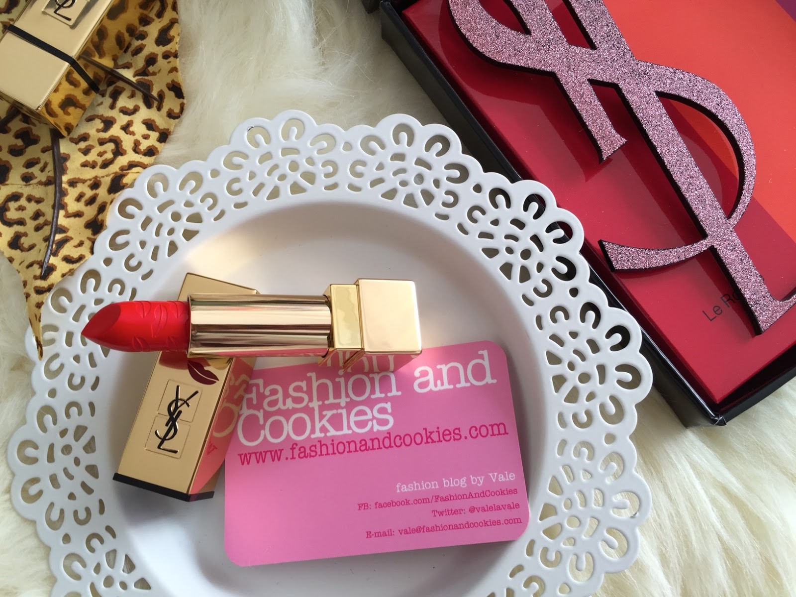 Yves Saint Laurent Rouge Pur Couture Kiss & Love Limited Edition, n. 1 Le Rouge on Fashion and Cookies fashion and beauty blog, beauty blogger