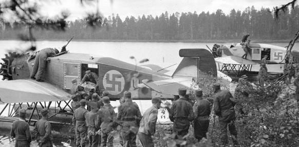 Armour force / Panssaroitu voima : Finnish volunteer