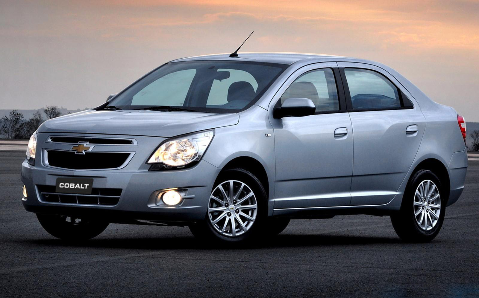 auto Chevrolet Cobalt 2013