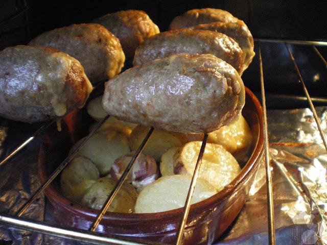 """""""Ovillo"""" de carne relleno de pimiento con queso: Horneado"""