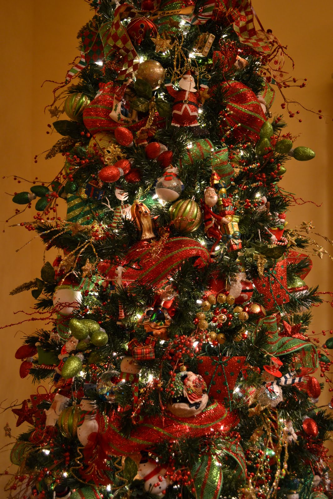 kristen 39 s creations decorating a christmas tree with mesh