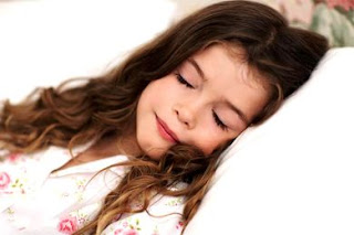 فتاة بريطانية نامت في شهر إبريل واستيقظت في شهر يونيو