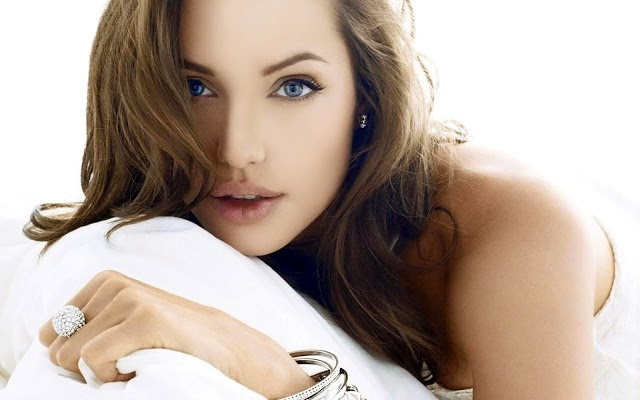 angelina jolie hot cleavage hd wallpapers