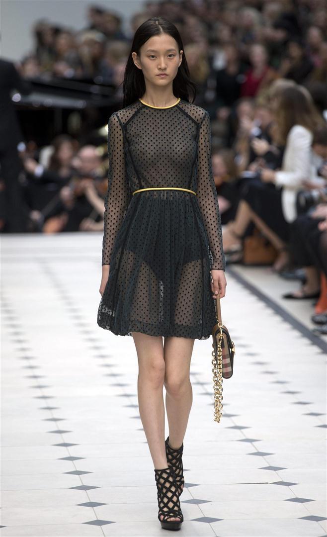 Moda Fashion Style Londra Fashion Week Burberry Prorsum Reinventa Il Romanticismo