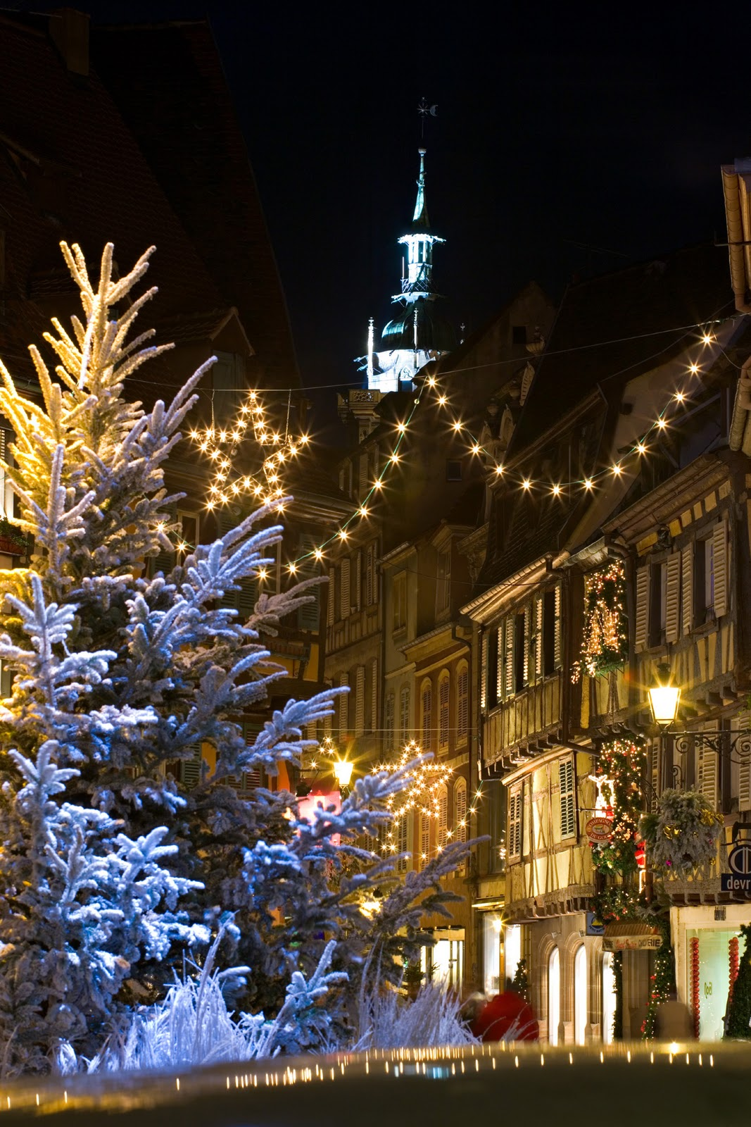 http://4.bp.blogspot.com/-gIX9KpHrW4s/TuPc6JGqxvI/AAAAAAAAB5g/NOYhiHDILNI/s1600/France+Alsace+Christmas+Colmar+via+copyright+CRTA+-+Meyer.jpg
