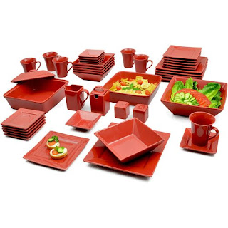 Dinnerware set - red