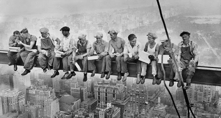 A Vintage Nerd, Vintage Blog, Retro Lifestyle Blog, A Picture Worth a Thousand Words, Historic Photos, Lunch Atop a Skyscraper Photo