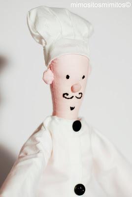 muñeco cocinero hecho a mano de tela para regalar o decorar