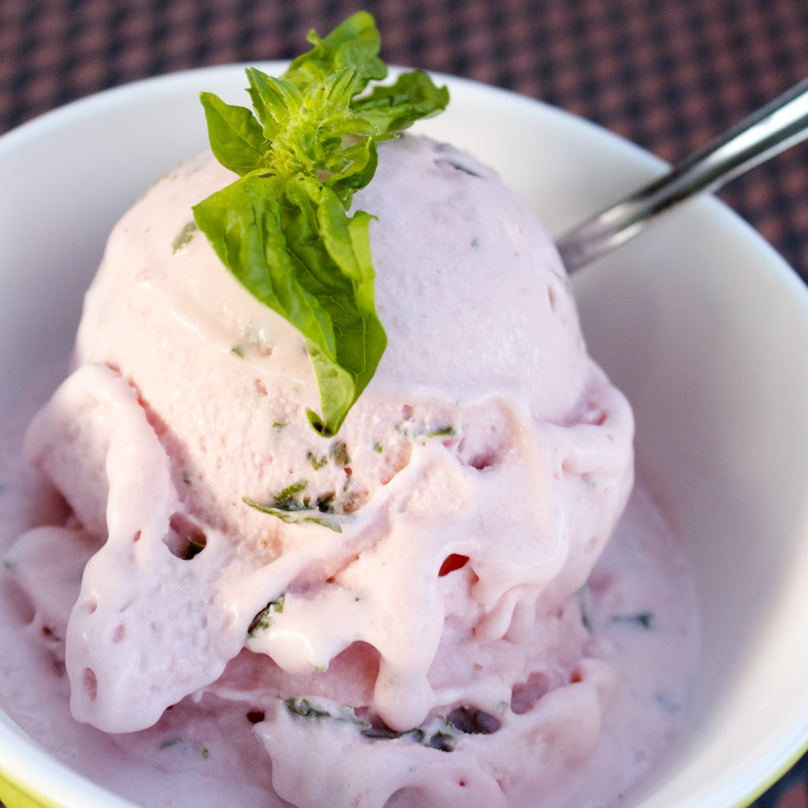 CosmoCookie: Strawberry Basil Ice Cream