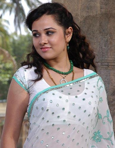 dandu-palyam-movie-heroine-nisha-kothari-stills1