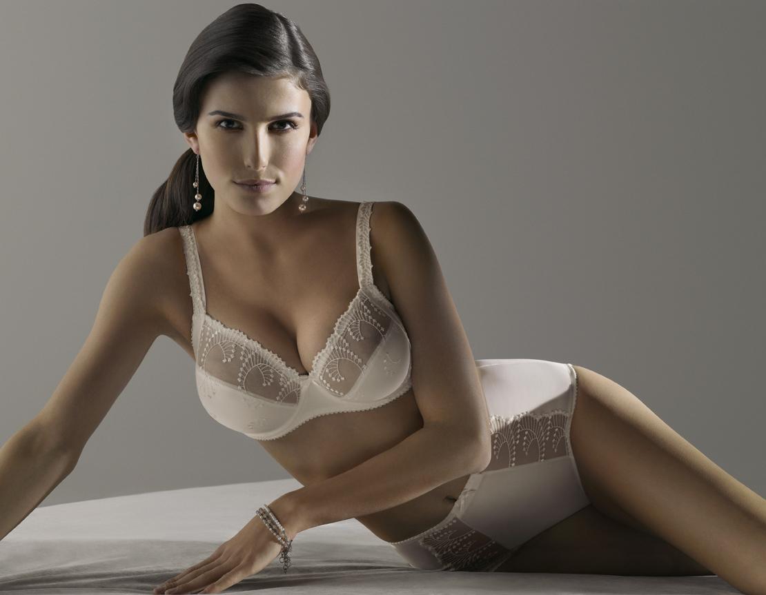 lingerie models prima donna fall winter 2011 modelled by. Black Bedroom Furniture Sets. Home Design Ideas