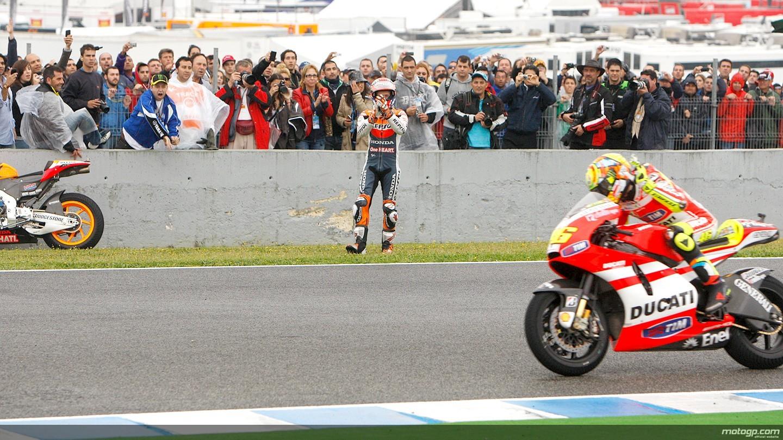 MotoGP Jerez 2011 Lorenzo Menang Keberuntungan MESINBALAPcom