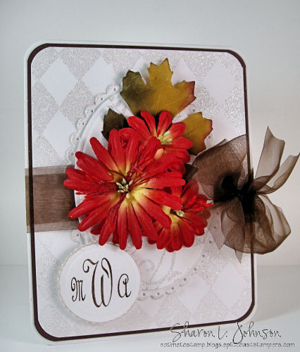 Invitacion con flores artificiales para boda