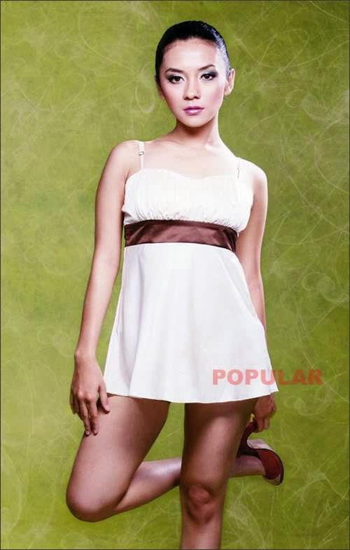 Foto Semi Telanjang Mantan Artis Cilik Enno Mejeng di Majalah Popular