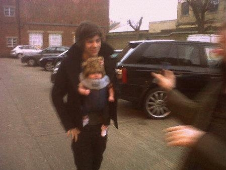 Harry Styles Baby on Harry Styles And Baby Lux Are Sooooooo Cute