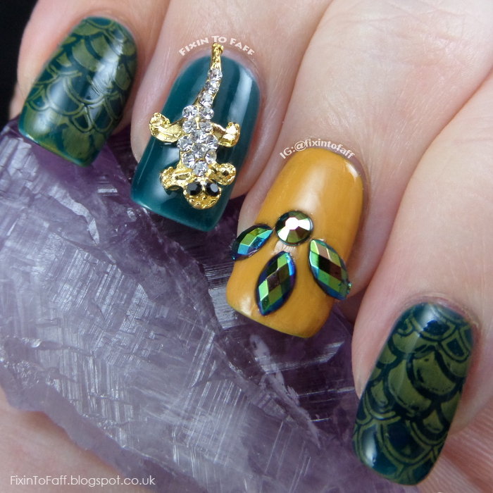 Art gecko nail art.