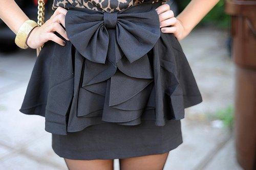 Usando a moda peplum