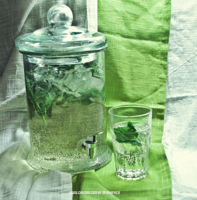 Rebujito - bebida feria de abril: fino, sprite, hielo y hierbabuena