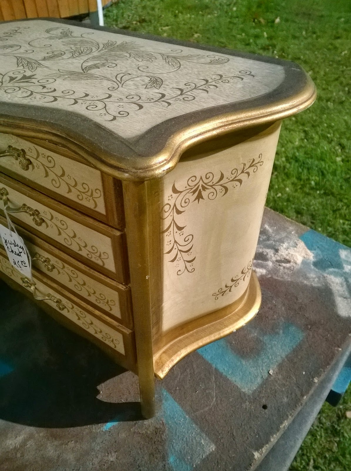Vintage jewelry box makeover