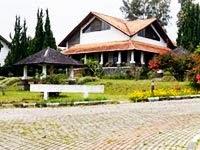 Villa 4 Kamar Berlian Resort