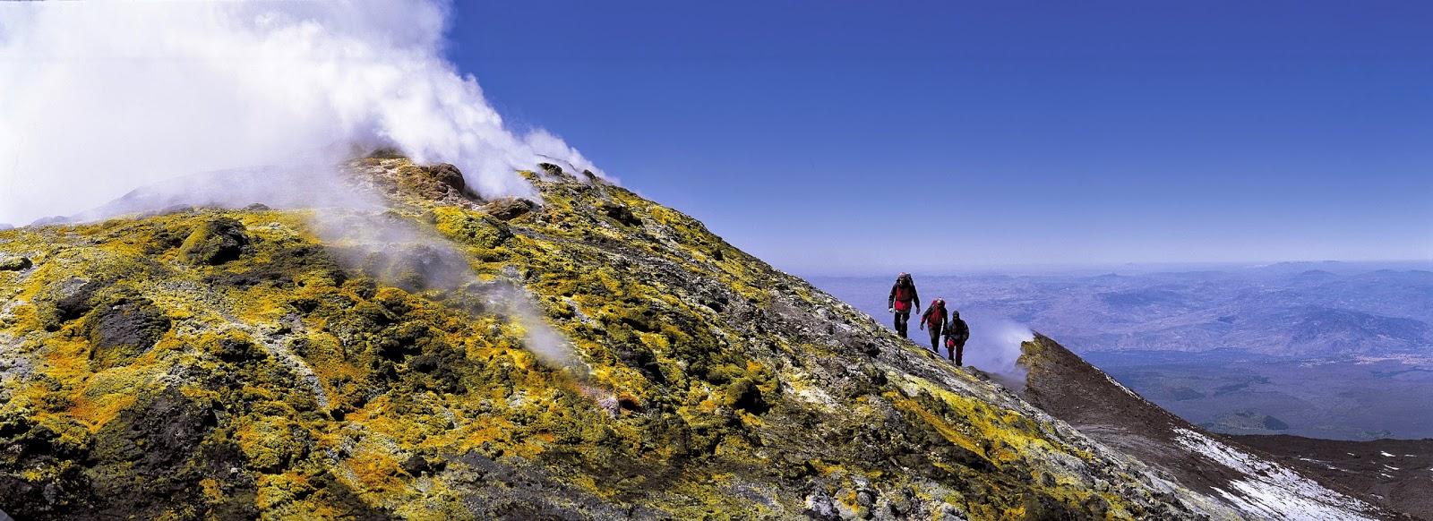 trekking entre volcanes, una experiencia única