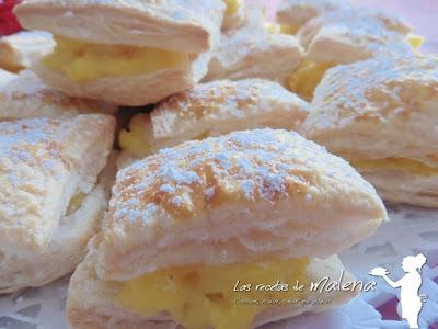 """Pastelitos de hojaldre con crema pastelera. """"Miguelitos"""""""