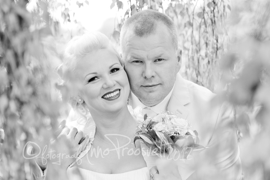 pulmafoto-portreefoto-pruutpaar-mustvalge