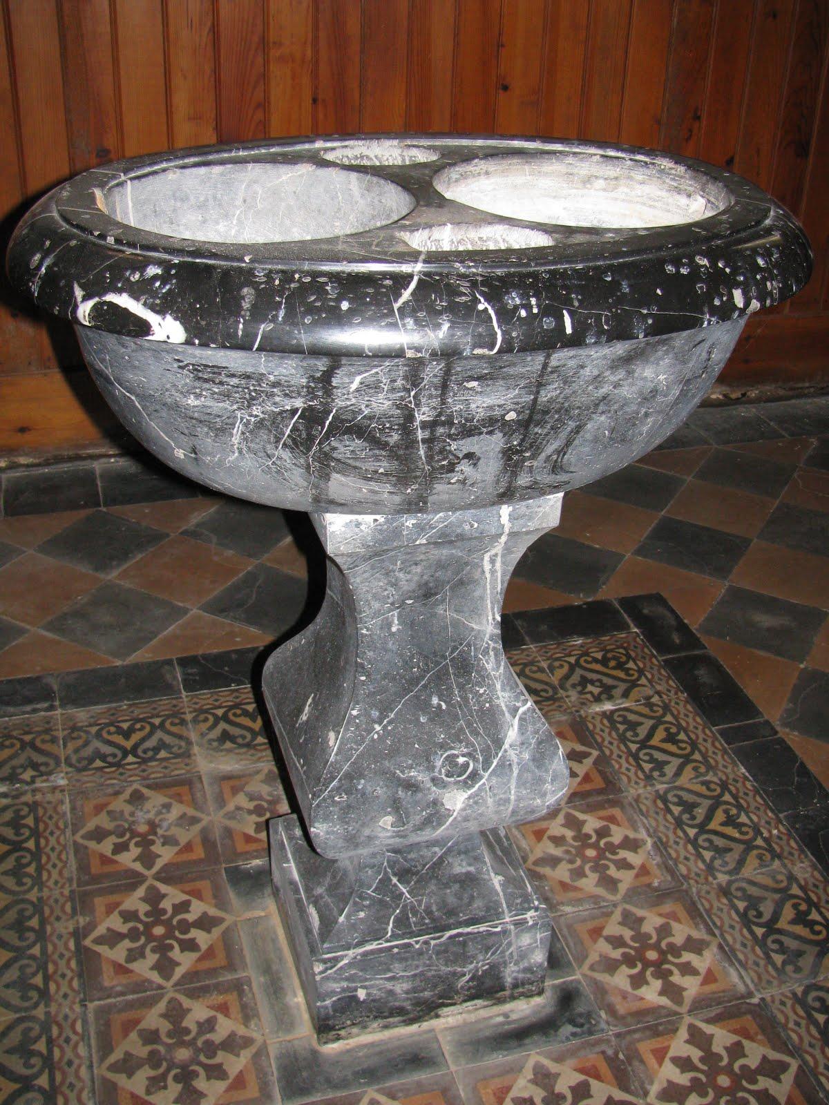 Fonts baptismaux de Breil