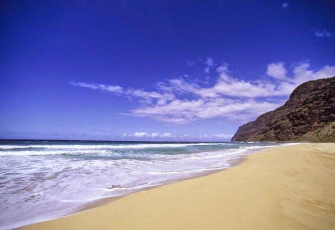 Pantai dengan pasir menggonggong