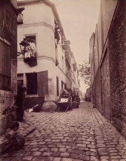 Une rue de la Cité Doré