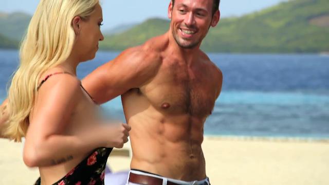 Shirtless photo online dating