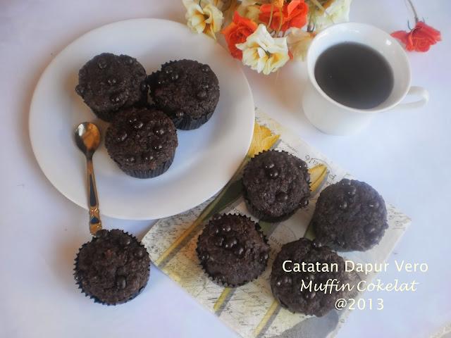 "<img src=""muffin cokelatt.jpg"" alt=""muffin cokelat catatan dapur vero"">"