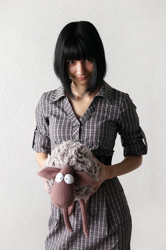 Прикольная игрушка овечка handmade.