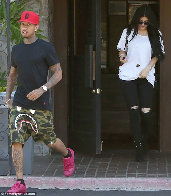 Kylie Jenner Enjoys Low Key Lunch With Boyfriend Tyga Photos