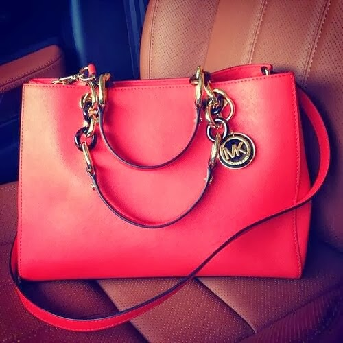 Very Lovely Red Color Handbag For Girls