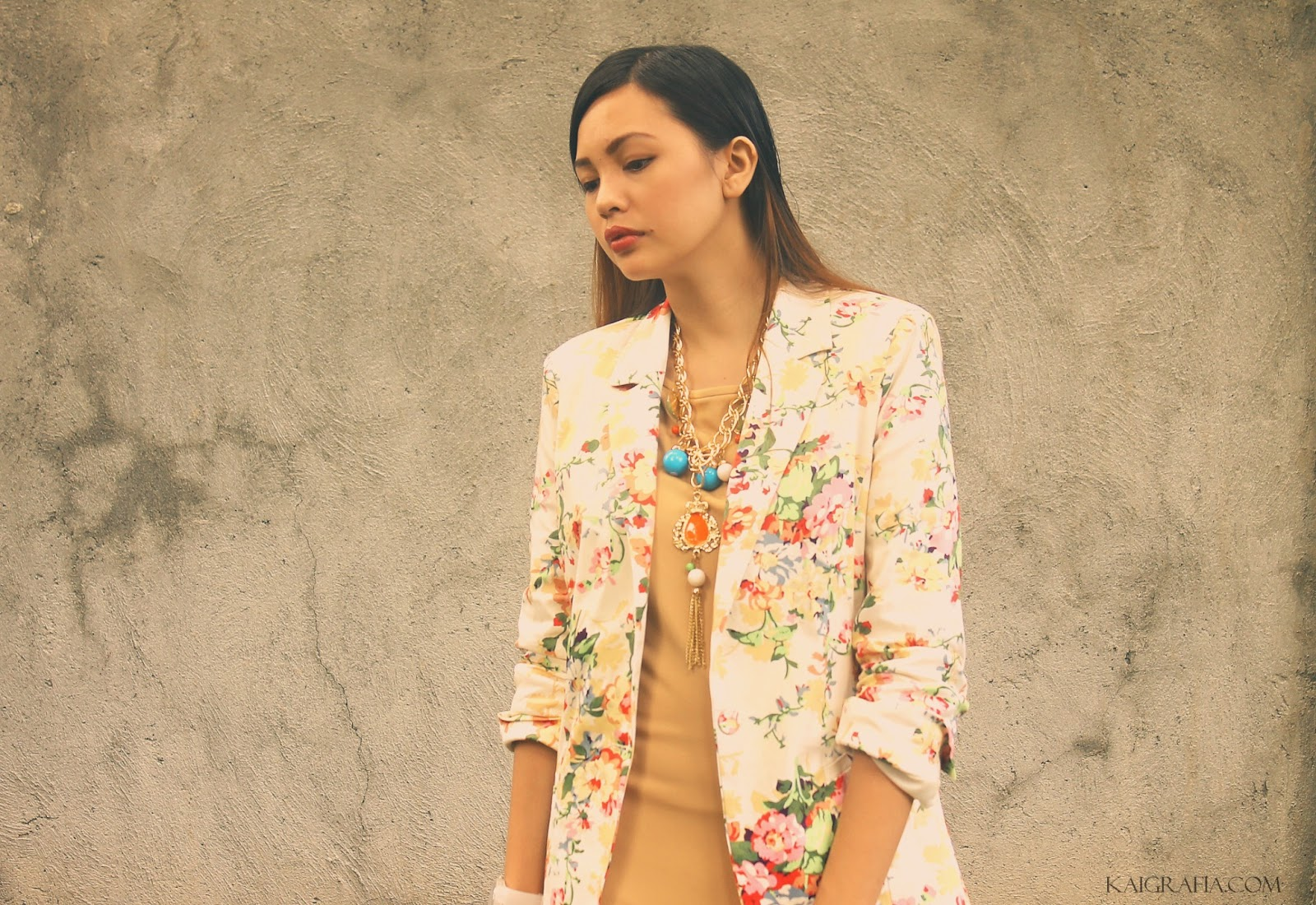 How to wear a floral blazer with dress