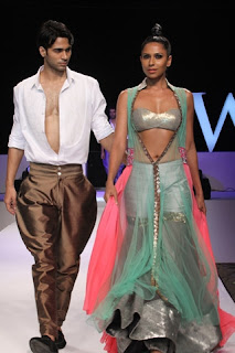 India Resort Fashion Week, Fashion Week Pics, Manish Malhotra