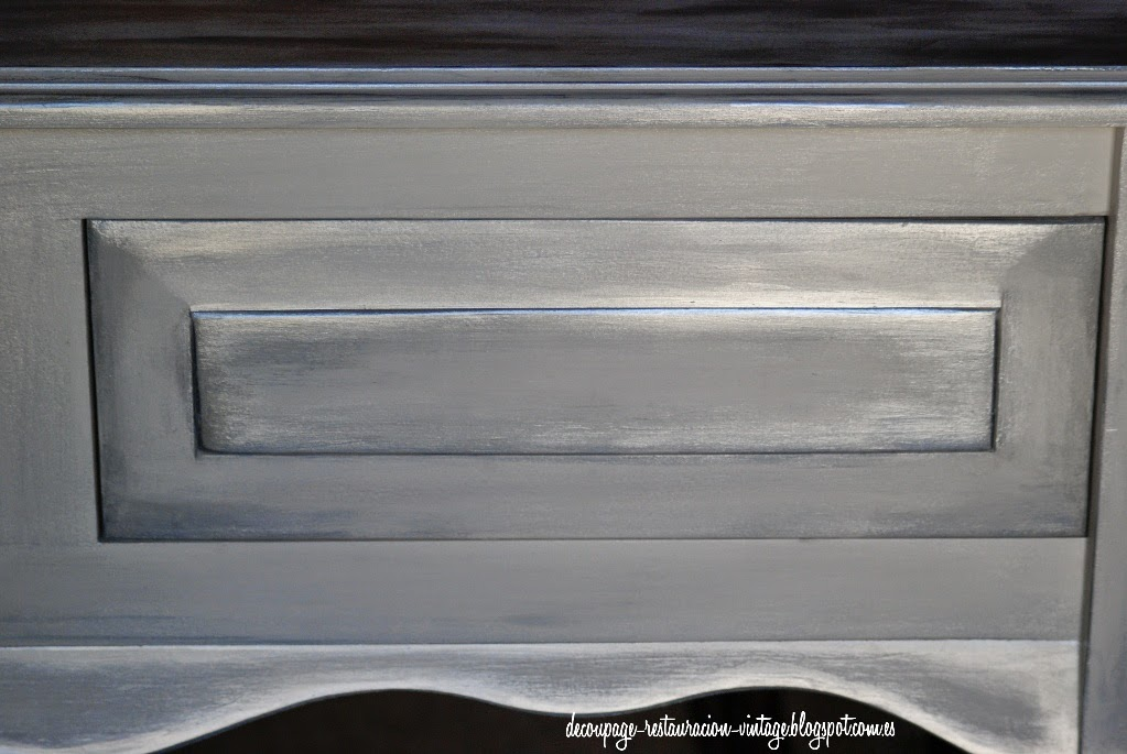 Decoupage transfer y otras t cnicas restauraci n de for Muebles de madera color gris