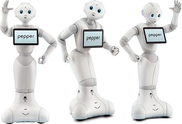 """اليابان تصنع اول إنسان آلي بمشاعر وأحاسيس وتم بيع 1000 نسخة منه في دقيقة """"بيبر"""" (Pepper)"""