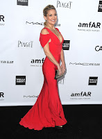 Kate Hudson in a sexy red gown
